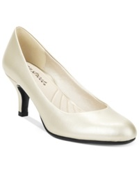 Easy Street Shoes Easy Street Passion Pumps Women's Shoes Champagne