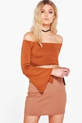 Boohoo Petite Tilly Off The Shoulder Split Cuff Crop Tan