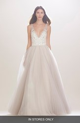 Women's Carolina Herrera 'Mercedes' V Neck Lace And Tulle Gown In Stores Only