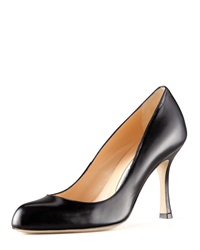 Foka Round Toe Leather Pump Black Manolo Blahnik