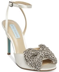 Blue By Betsey Johnson Heidi Bow Pumps Women's Shoes Ivory Satin