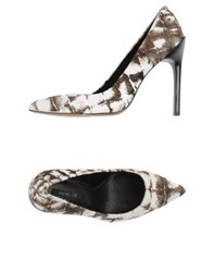 Rachel Zoe Footwear Courts Women