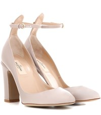 Valentino Tan Go Patent Leather Pumps Pink