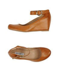 Donna Piu Footwear Courts Women Brown