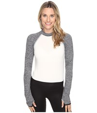 New Balance Sport Style Long Sleeve Cropped Top Angora Women's Long Sleeve Pullover Bone