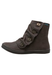 Blowfish Rabbit Boots Brown