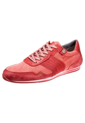 Sneaky Steve Dalton Trainers Red