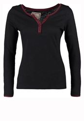 Fresh Made Long Sleeved Top Black Mahogany Red