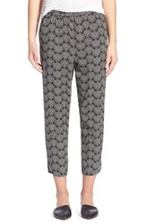 Women's Hinge Print Crop Pants Black Medallion Print
