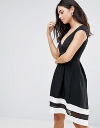 Jessica Wright Capped Sleeve Skater Dress With Contrast Rim Black
