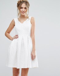 Closet London V Front Prom Dress In Textured Jaquard White