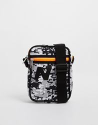 New Balance Chill Flight Bag In Digital Camo Black