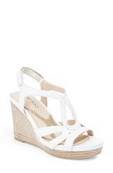 Me Too Women's Wedge Sandal White Leather