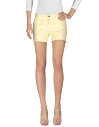 Fly Girl Shorts Light Yellow
