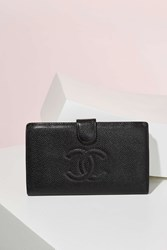 Nasty Gal Vintage Chanel Caviar Leather Bifold Wallet