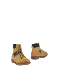 Police 883 Ankle Boots Tan