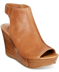 Kenneth Cole Reaction Sole Chick Platform Wedge Sandals Women's Shoes Butterscotch
