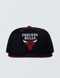 Mitchell And Ness Chicago Bulls Solid Velour Logo Snapback