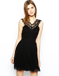 Elise Ryan Skater Dress With Scallop Lace V Neck Black