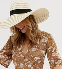 South Beach Exclusive Oversize Straw Hat With Bow Beige