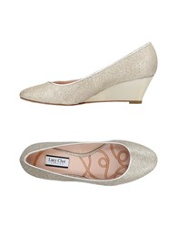 Lucy Choi London Pumps Gold