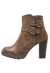Refresh Platform Boots Taupe