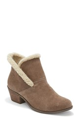 Me Too Zanna Bootie Nutmeg Suede