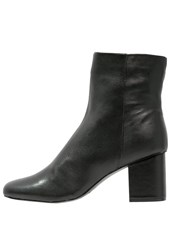 Warehouse Boots Black