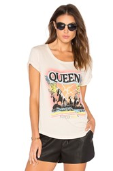 Daydreamer Queen Tee Cream