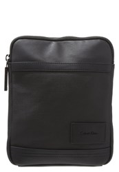 Calvin Klein Jeans Ethan 2.0 Flat Crossover Across Body Bag Black