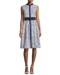 Oscar De La Renta Sleeveless Cotton Eyelet A Line Dress Navy White