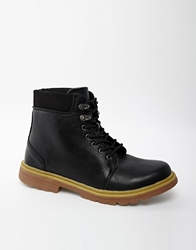 D Struct Boots With Chunky Sole Black