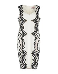 Gai Mattiolo Knee Length Dresses White