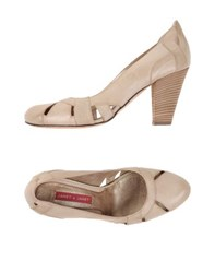 Janet And Janet Footwear Courts Women Beige