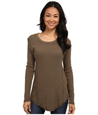Dylan By True Grit Long Sleeve Raw Edge Crew Neck Tee Cargo Women's T Shirt Taupe