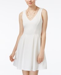 Teeze Me Juniors' Sleeveless V Neck Fit And Flare Dress White