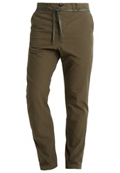 Filippa K Noah Chinos Air Force Green