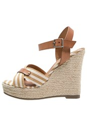 Refresh Wedge Sandals Taupe