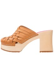 Swedish Hasbeens Monika Clogs Nature Beige