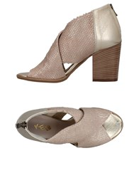 Keb Sandals Dove Grey