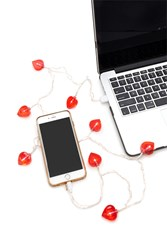 Forever 21 Light Up Heart Cable For Iphone Pink Multi