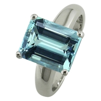 Ewa 9Ct White Gold Emerald Cut Aquamarine Ring N