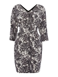 Y.A.S. 3 4 Sleeve Printed V Neck Dress Black White
