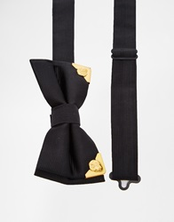 Noose And Monkey Bow Tie With Metal Tips Black