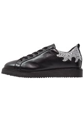 Bronx Trainers Black Silver