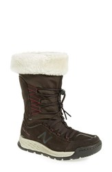 New Balance Women's Q416 1000 Faux Fur Waterproof Platform Boot Brown
