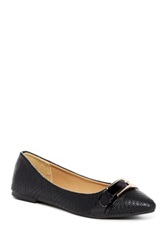 Godiva Pointed Toe Flat Black