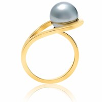 Neola Aurea Gold Ring With Freshwater Pearl