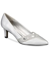 Easy Street Shoes Valiant Evening Pumps Women's Silvr Satin