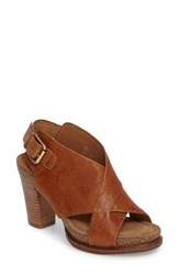 Sofft Women's Cambria Platform Sandal Luggage Leather